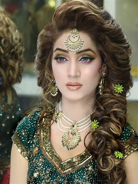 pakistani hairstyles in urdu pakistani bridal hairstyle 2016 for mehndi ceremony9