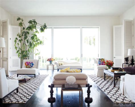elle decor celebrity homes 15 high fashion living rooms with geometric decorator rugs