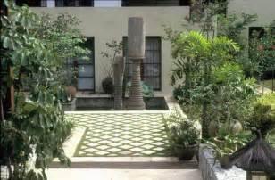 designing interior courtyard gardens