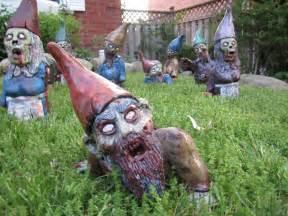 Charmant Costume Nain De Jardin #1: Zombie-gnomes.jpg