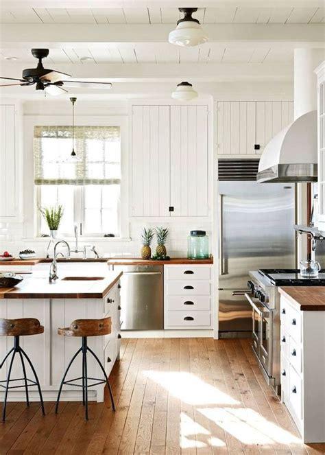 cr馘ence pour cuisine blanche cuisine blanche 22 id 233 es tendances 2018 pour votre cuisine