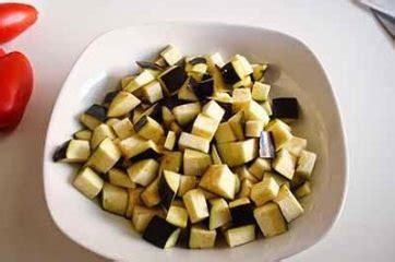 come cucinare le melanzane a funghetto ricetta melanzane a funghetto la ricetta della cucina