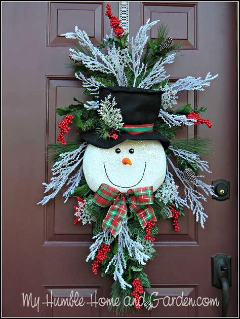tips    create  magical snowman wreath