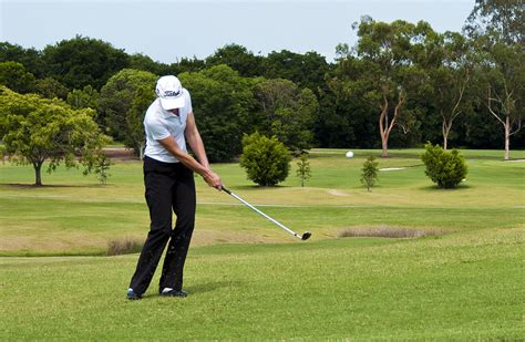 chipping golf swing golf chipping technique related keywords suggestions
