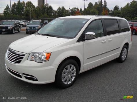 Chrysler White by 2012 White Chrysler Town Country Touring L