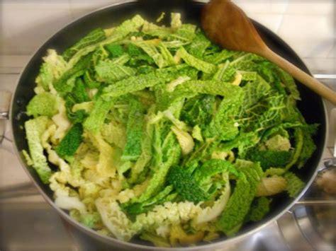 cucinare verza in padella verza in padella ricette di cucina con foto