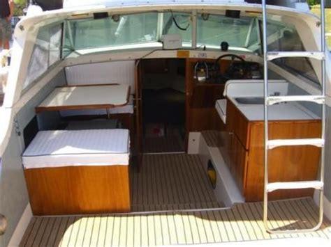 fishing boat interior bertram 25 interior google search boat stuff
