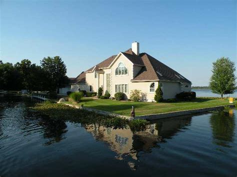 lake wawasee lake front homes market