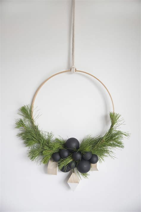 15 unique natural holiday wreaths you ll love glitter