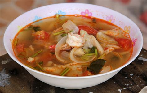 how to make delicious thai tom yum goong video recipe
