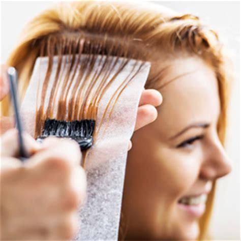hair coloring during pregnancy hair dye and highlights during pregnancy what to expect