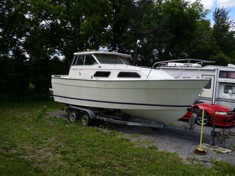 bayliner boats specs bayliner 2270 explorer 1983 for sale for 1 200 boats