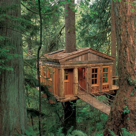 17 of the most amazing treehouses from around the world bored panda 17 amazing treehouses from around the world 171 country living