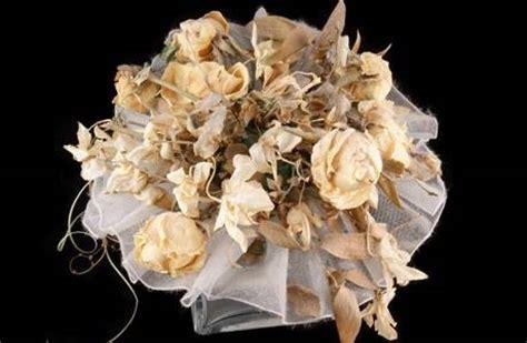 come fare fiori finti composizioni fiori secchi composizione di fiori finti