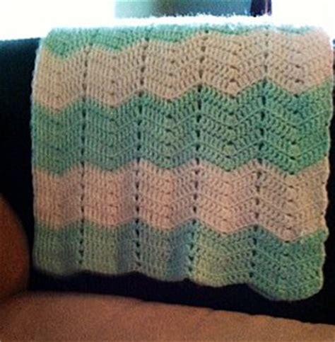 how to zig zag crochet afghan pattern zig zag cozy afghan allfreecrochet com