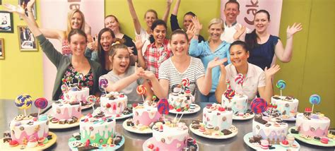 Cake Decorating Lessons by Cake Decorating Classes Sydney Planet Cake