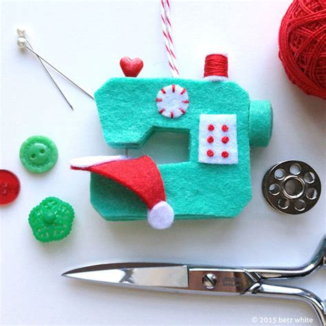 diy christmas ornaments 35 homemade felt wood paper