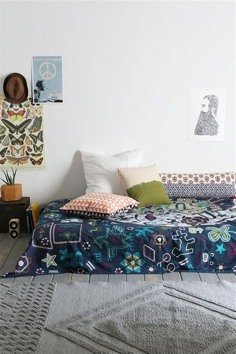 urban outfitters bedroom decor urban outfitters apartment h o m e d e c o r