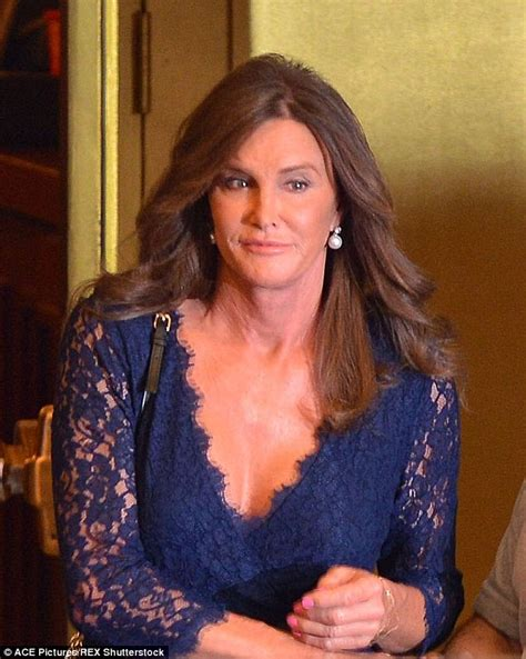 did bruce jenner have hair plugs tom arnold hints caitlyn jenner s surgeon did his hair