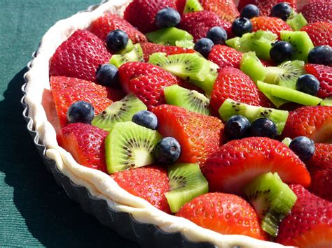 mangiandobene fresh fruit pie with crumble topping
