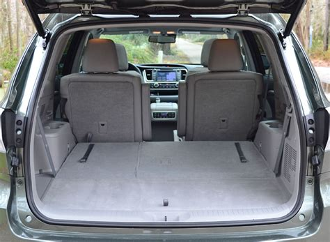 Toyota Highlander How Many Seats 2014 Toyota Highlander Cargo Seats