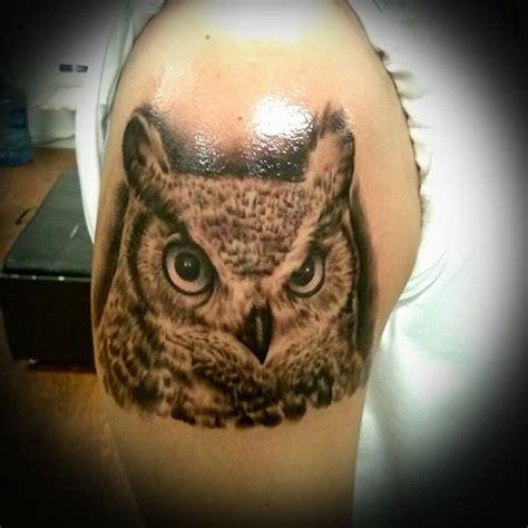 tattoo owl black and grey juan zarate orange county based tattoo artist