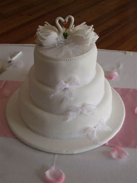 Swan Lake Wedding Cake   Decorated Cakes   Pinterest