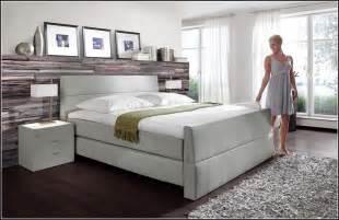 Schlafzimmer Mit Schrge Einrichten Schlafzimmer Mit Boxspringbett Einrichten 10 Deutsche