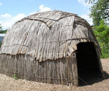 cherokee houses the algonquins lived in houses made of tree bark and twigs called indians