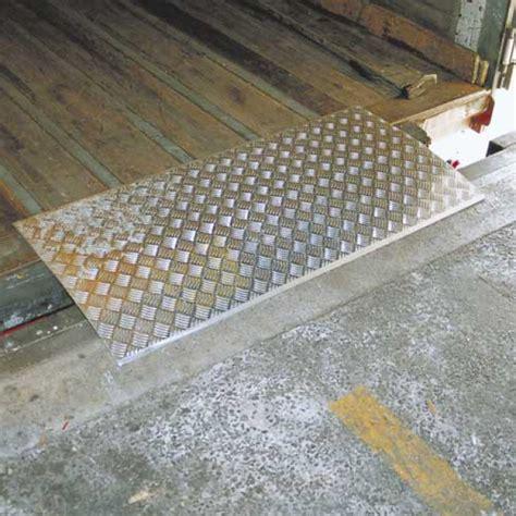 pedane di carico pedana di carico rimovibile 2 tn 600 x 1500 mm