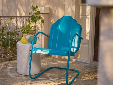How To Redo Metal Patio Furniture by How To Paint An Outdoor Metal Chair How Tos Diy