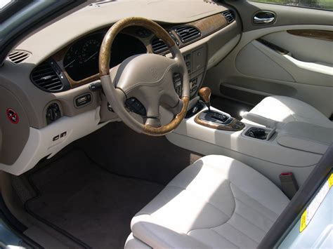 file 2001 jaguar s type interior jpg wikimedia commons