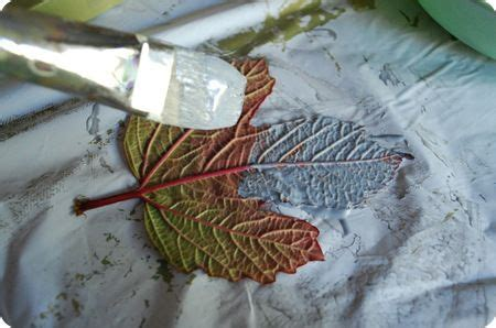 Decoupage With Leaves - diy fall leaves on canvas decoupage fall