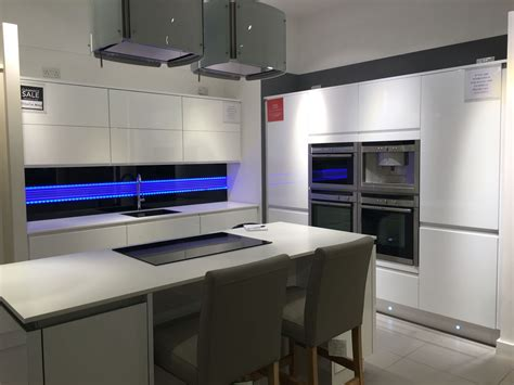ex display kitchen cabinets high gloss ex display kitchen for sale in uk