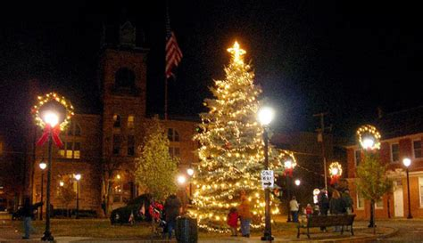 downtown stroudsburg tree lighting celebration