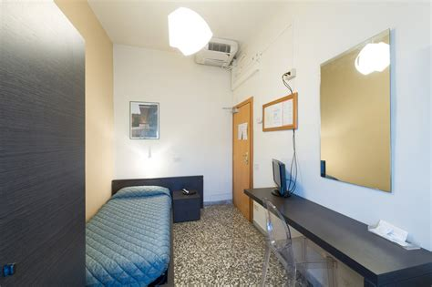 bagno in comune singola con bagno in comune hotel moderno