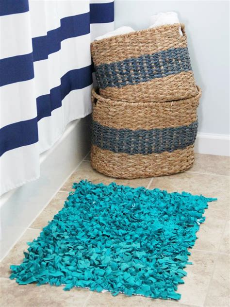 Diy Bath Mat Rug by 15 Diy Bath Mats Made From Unique Materials