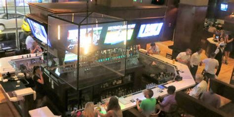 top sports bars top 10 sports bars in the u s huffpost