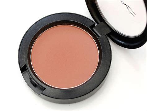 A Blush On A mac sheertone blush in gingerly