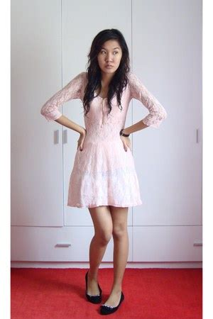 light pink dress shoes light pink dresses black shoes quot friends lovers or
