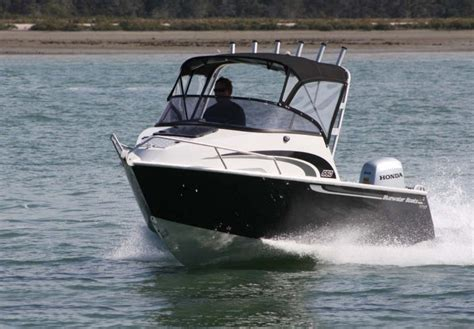 bluewater custom boats boat review blue water 550 cuddy built tough