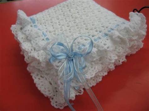 como tejer colchas para bebe mantilla para bebe tejida al crochet o manta para cuna