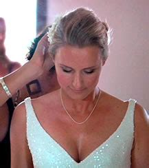 Wedding Hair And Makeup Rarotonga by Top Tips For Tropical Brides Getting Married Weddings In