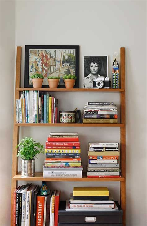 bookshelf organization ideas 25 best ideas about bookshelf organization on pinterest