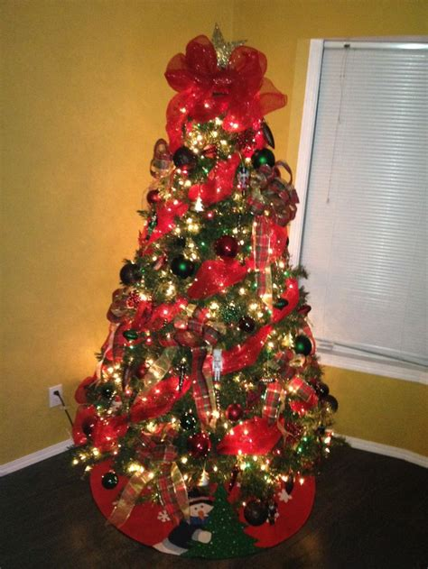 christmas tree decorating with mesh tree my