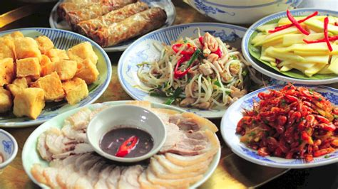 hanoi cuisine food touristinsider