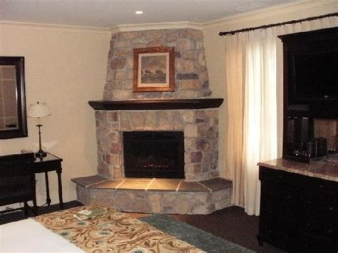Pictures Of Corner Fireplaces by Decoration Corner Fireplaces