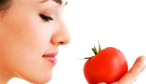 tips memutihkan kulit  menghilangkan komedo