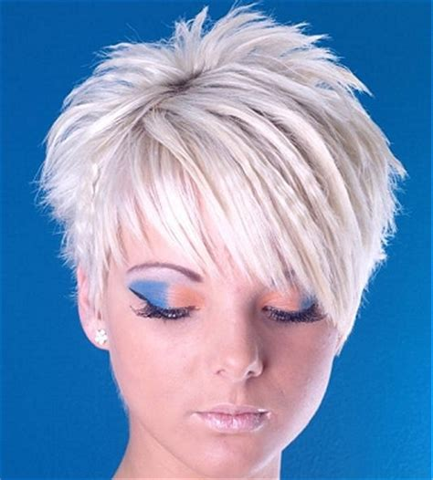 difference between layered and choppy haircuts a short blonde straight spikey choppy coloured layered