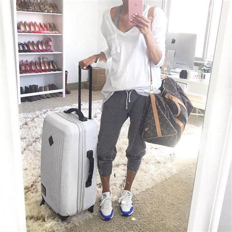 comfortable outfits for flying 25 best ideas about comfy travel outfit on pinterest